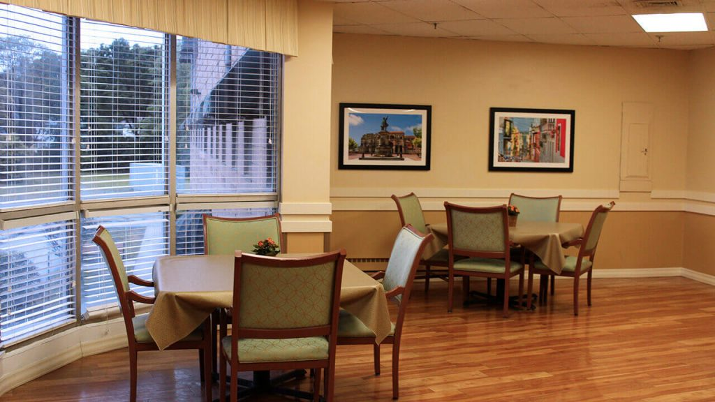 chapin-center-dining-tables