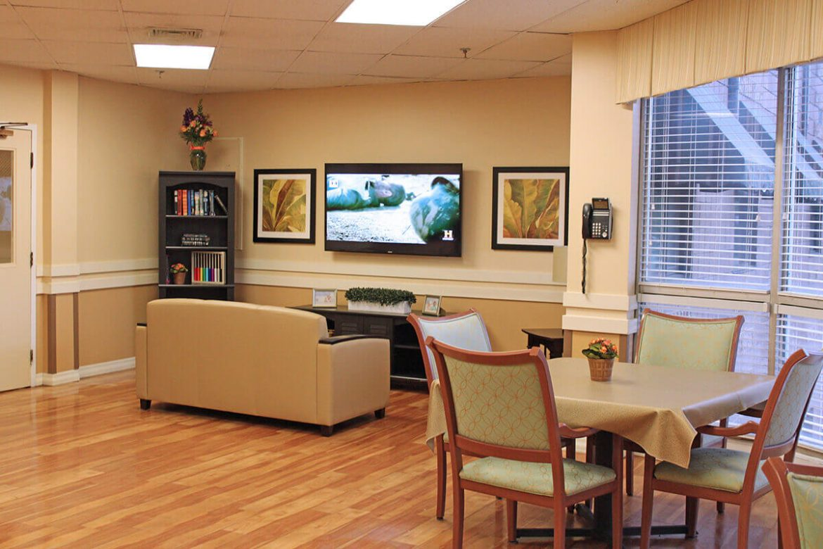 chapin-center-lounge-and-dining-table